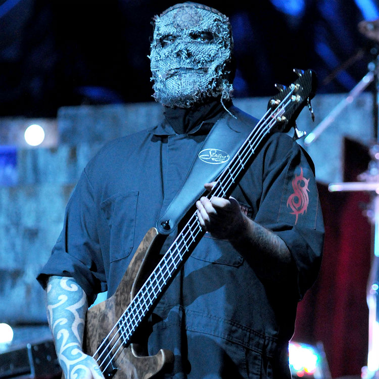 Slipknot bassist Alex Venturella taken to hospital at Conneticut gig