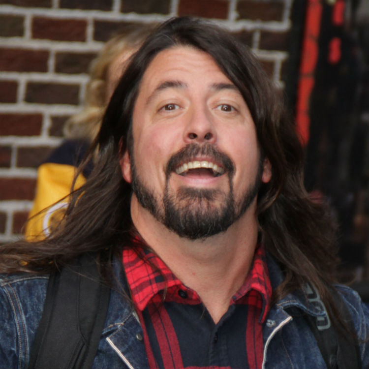 Foo Fighters fan raising �25k to 'buy' Dave Grohl