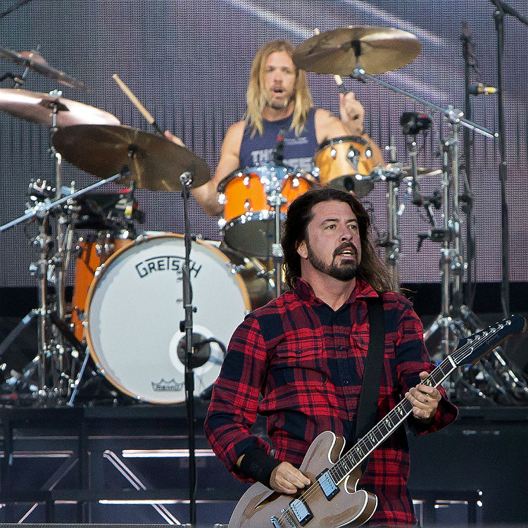 Foo Fighters slammed for 'exploitation' over photo contract by paper
