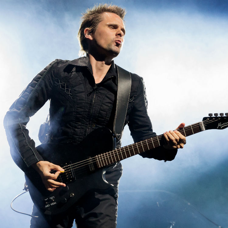 Muse to headline first day of Glastonbury 2016