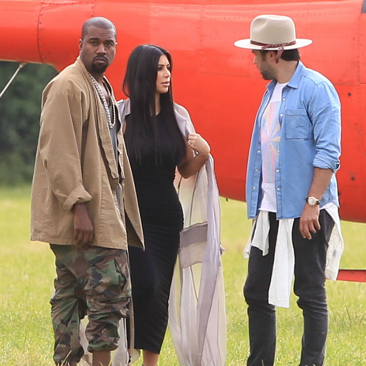Kanye West Glastonbury set, arriving with Kim Kardashian in helicopter