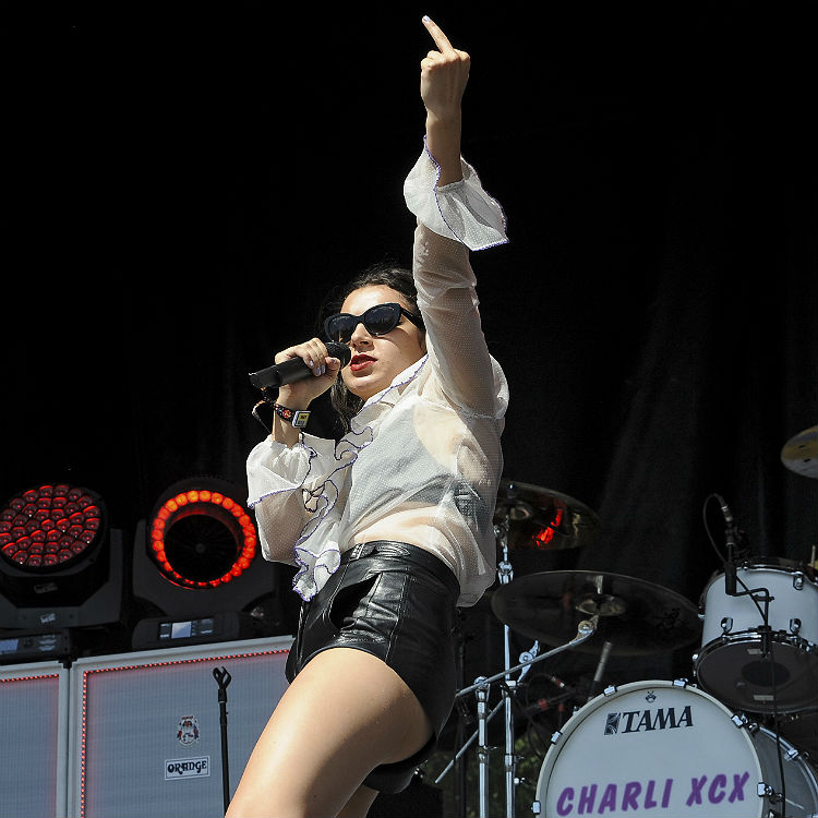 Charli XCX Lollapalooza photos, review, setlist
