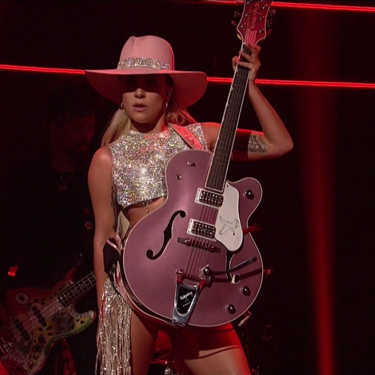 13 of the craziest things Lady Gaga has ever done