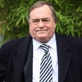 John Prescott pokes fun at Chumbawumba split on Twitter