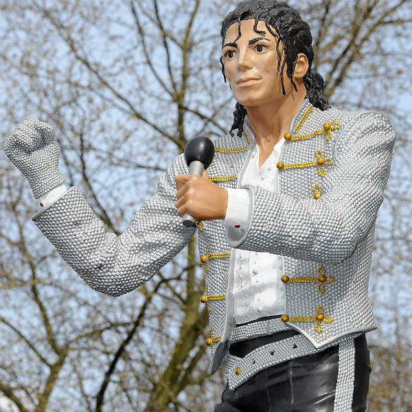 'Beat It' - Michael Jackson Fulham Football Club statue to be torn down