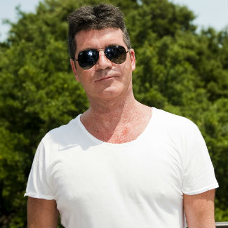 Simon Cowell saves nine passengers from a sinking ship