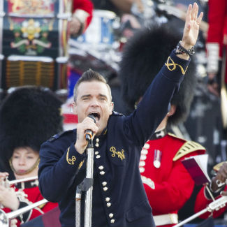 Robbie Williams reveals new song 'Losers' on Chatroulette