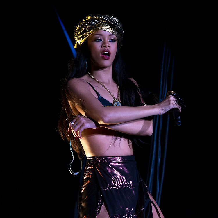 Rihanna new interview, denies Beyonce feud rivalry, tour dates tickets