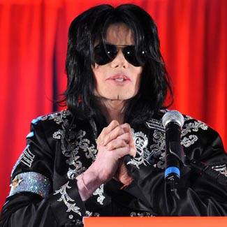 Michael Jackson's doctor, Conrad Murray, sings in TV interview