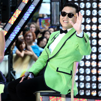 Video: Psy strips off for fans in 'Gangnam Style' thank-you