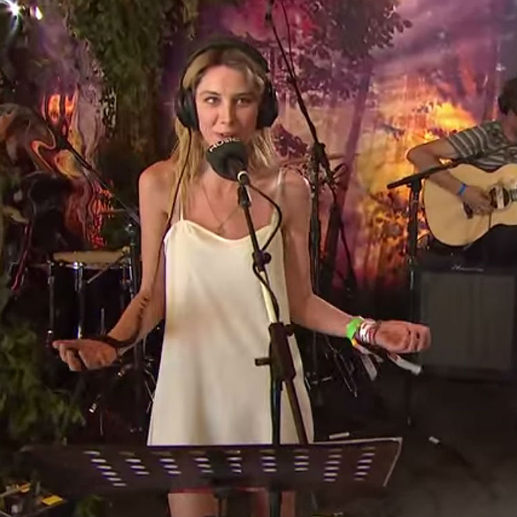 Wolf Alice cover Scissor Sisters Take Your Mama at Glastonbury