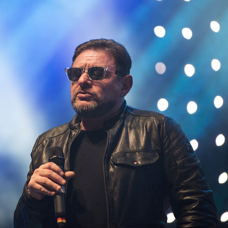 15 live shots of the Happy Mondays rocking the O2 Brixton Academy