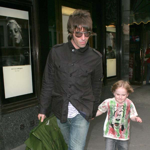 Not one to boast but LIAM GALLAGHER feels he is a &#39;top dad&#39;, balancing his rock and roll lifestyle with that of a full time dad