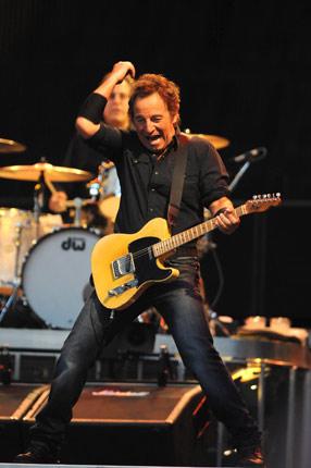 Bruce Springsteen. Bruce Springsteen Beats Clint