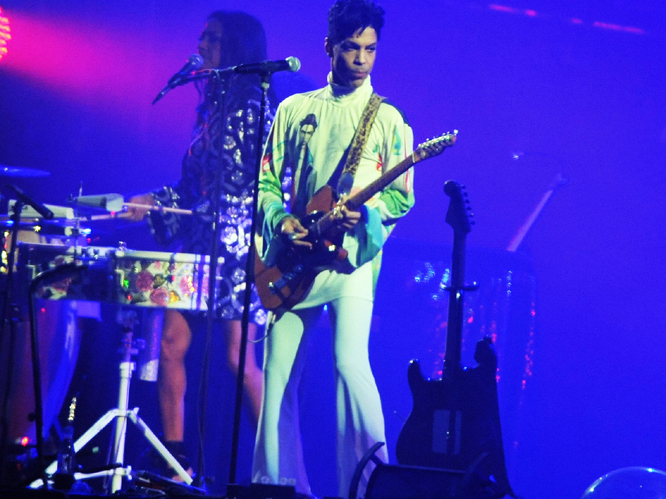 Prince - If the Daily Star are to be believed, the minature guitar-pop god that is Prince is the first headline act confirmed for this year's festival. Prince was almost signed up for the last Glasto back in '11, but ended up at Hop Farm instead