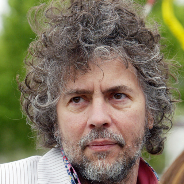 Flaming Lips frontman WAYNE COYNE, has seen taken something of a tongue lashing from US soul star Erykah Badu after an unauthorised video of their duet 'First Time Ever I Saw Your Face' appeared online. 'Kiss my glittery ass' was the singer's invitation to the band's frontman after seeing shots of herself naked in a bathtub...