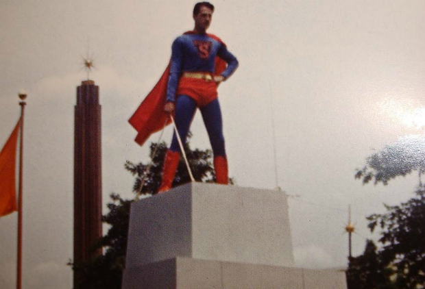 Ray Middleton - Seen here at the 1939 World's Fair in New York, on July 3rd 1940.  This was the first public appearance of Superman, who before had been stuck between the pages of comics for the previous two years.