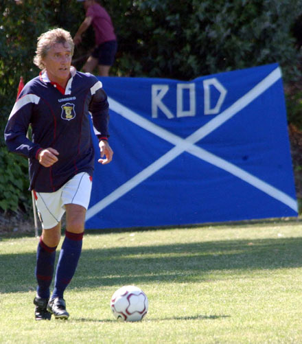 Rod Stewart - Gravely voiced housewives' favourite Rod Stewart is not only adept at getting middle-aged women to throw their knickers at him but can also handle himself on the football pitch too. Having played upfront for Middlesex Schoolboys in his youth he went on to play for Brentford.