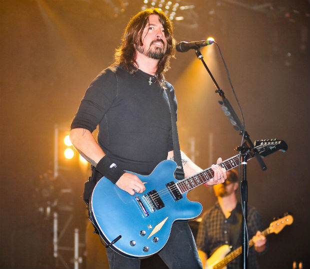 Dave Grohl: 2011&#39;s Itunes Festival was a musical spectacular, as 30 bands headlined the Camden Roundhouse in 30 days. On the night that rock legends Foo Fighters took the stage, the crowd were left confused as Dave Grohl stopped mid-song.  Grohl went on to single out one rowdy member on the audience, ordering him to &#39;Get the f*ck outta my show, you don&#39;t come to my show to f*cking fight, you come to dance.&#39;