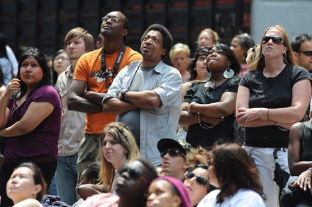 New York grinds to a standstill as Michael Jackson fans gather in Times Square