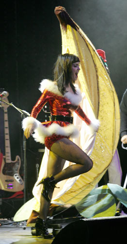 Katy Perry dons sexy Santa outfit