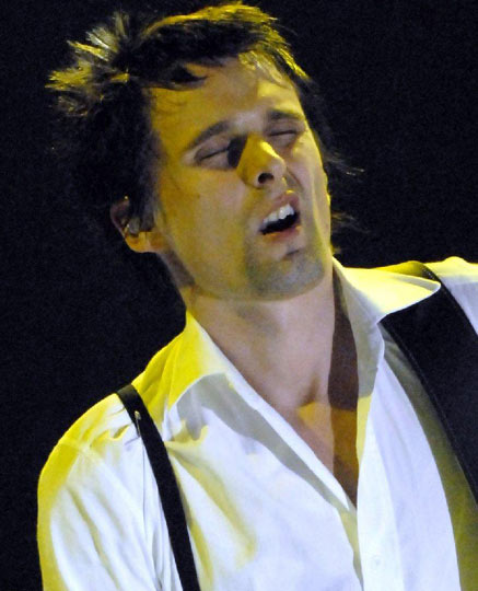 Aaaaaahhhhhhhhh. Muse's Matthew Bellamy hits the spot