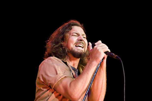 Pearl Jam � In 1993 The Doors were inducted into the Rock And Roll Hall Of Fame. Pearl Jam vocalist Eddie Vedder filled in for the late Jim Morrison and joined remaining band members Robby Krieger, Ray Manzarek, and John Densmore in LA for a three song set.