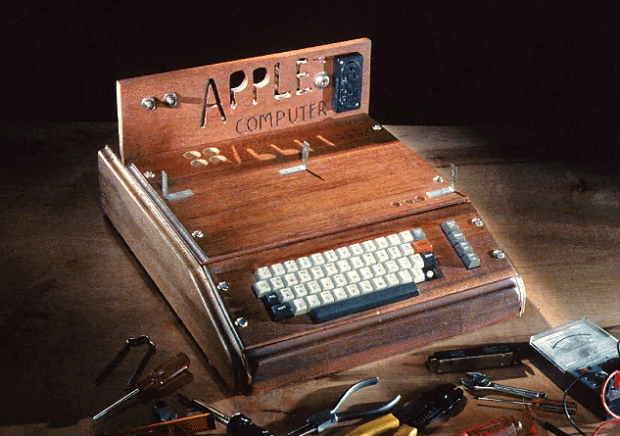 Apple I (1976)