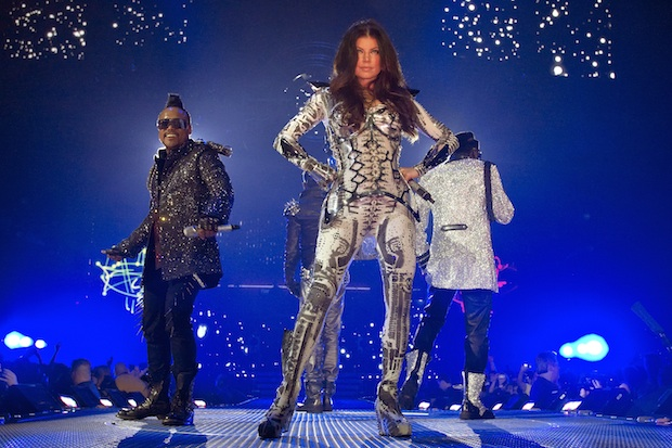 Black Eyed Peas gave a UK debut with single �Meet Me Halfway� on series 6.