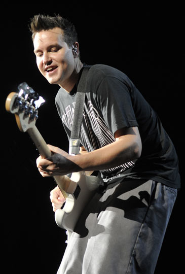 [Image: 6734564_Blink182-Mark3.jpg]