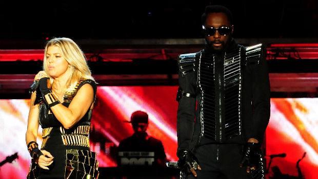 Black Eyed Peas (2011): After three years of stadium-filling rock acts, the Black Eyed Peas dazzled with an eye-popping light show and some help from Slash and Usher. Before the kick-off, Christina Aguilera sang the National Anthem and somehow managed to get the words wrong.
