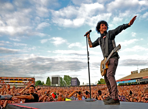 Green Day American Idiot Musical Tickets Sales Plummet As Billie Joe Armstrong Leaves - Ticket sales for the Broadway production American Idiot plummeted following Green Day singer Billie Joe Armstrong�s departure from the show.The frontman has just finished a second stint in the musical, which tells the story of the band�s career. The production will close in April.