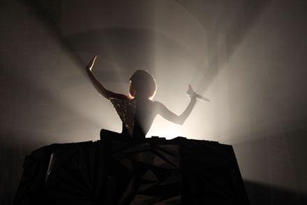 Slike sa koncerta... 7985456_Lady_Gaga_1
