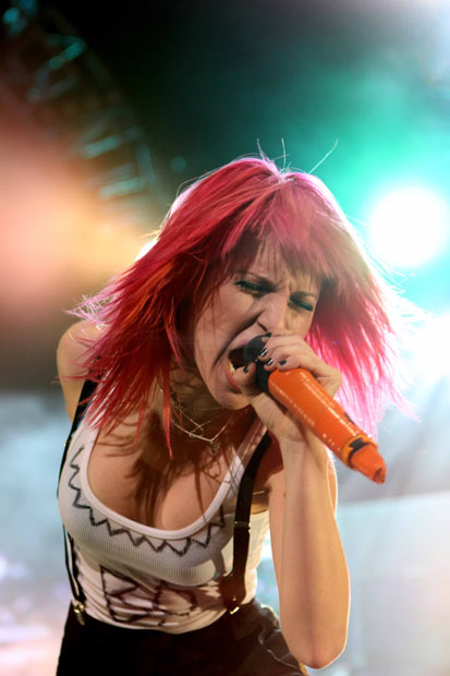 Gigwise: Votem na Hayley no poll das mulheres mais sexy da música 2011 8748523_hayleywilliams-hottest