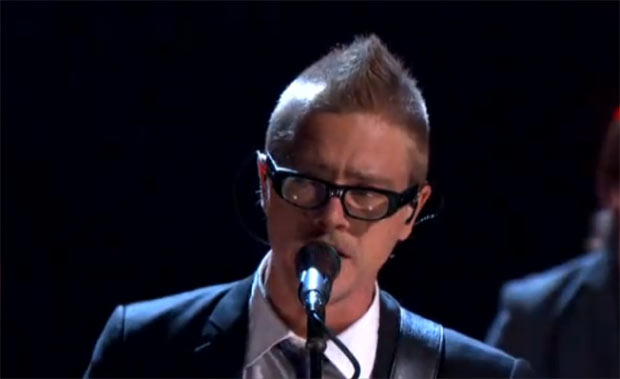 Interpol&#39;s Paul Banks debuted his mohawk as the band performed &#39;Lights&#39; on Conan O&#39;Brien&#39;s US chat show.