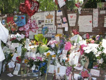 Tributes outside Michael Jackson's home in Los Angeles