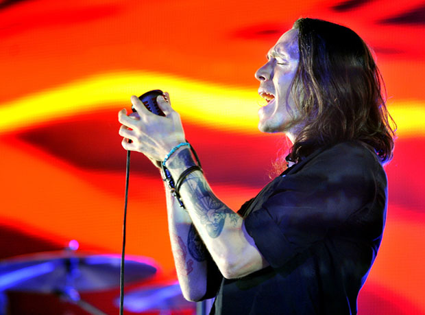 Incubus performing at Manchester Apollo (09/11/11).