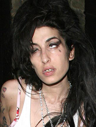 amy winehouse doing drugs