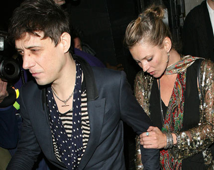 Jamie Hince / Kate Moss – One half of The Kills, Jamie Hince, didn't let the fact that he was having Pete Doherty's sloppy seconds put him off. Nope, once the Babyshambles man was out of the way in summer 2007, this paved the way for Hince to move in.
