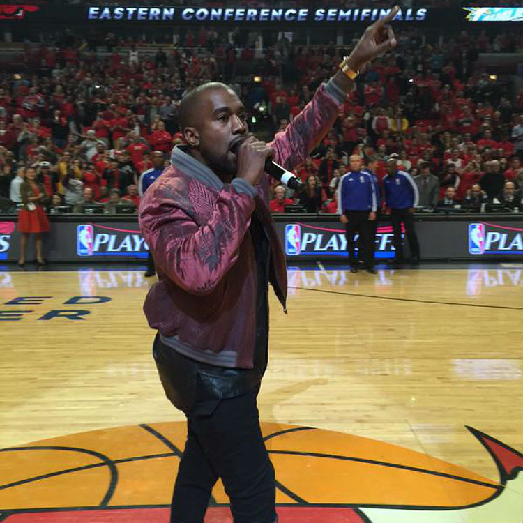 Kanye West performs All Day at Chicago basketball game