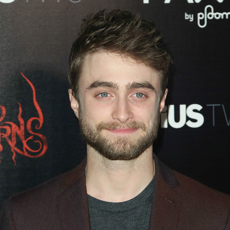 Daniel Radcliffe embraces his inner Slim Shady at karaoke ... Daniel Radcliffe Rapping