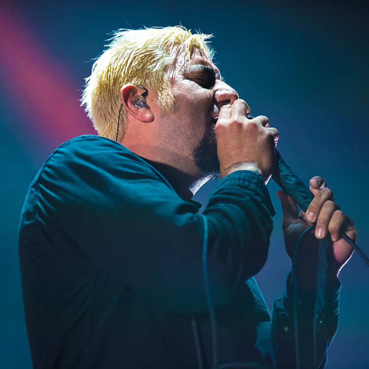 Deftones cancel gig after Chino Moreno breaks foot during show