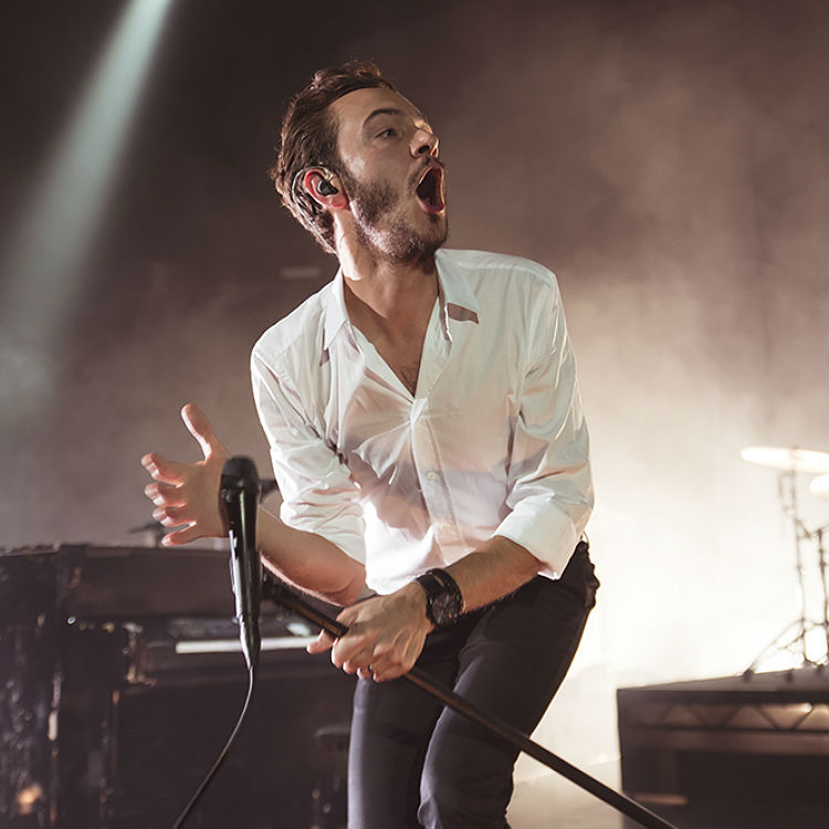 Editors Tom Smith reviews & slates new music - The Kills, Little Mix