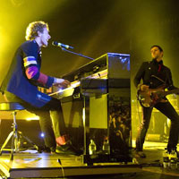 Coldplay Admit To Plagiarising Radiohead At Free London Show