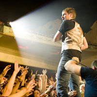 Kaiser Chiefs to help promote unsigned talent