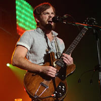 Kings Of Leon Call Pigeon Poop 'Toxic Health Hazard'