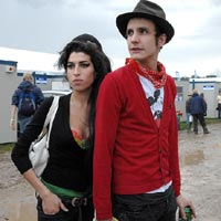 Amy Winehouse 'Applies To Visit Husband In Prison'