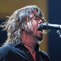 Foo Fighters Mock Westboro Baptist Church At Kansas Gig - Video