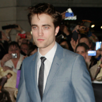 Co-Star Praises Robert Pattinson's 'Edge'