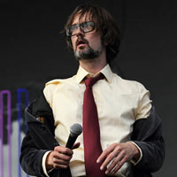 Pulp's Jarvis Cocker Uses News Of The World As Toilet Paper